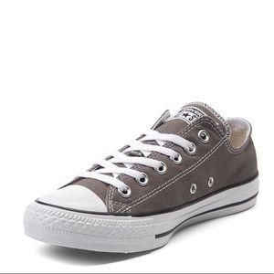 Converse low top sneaker